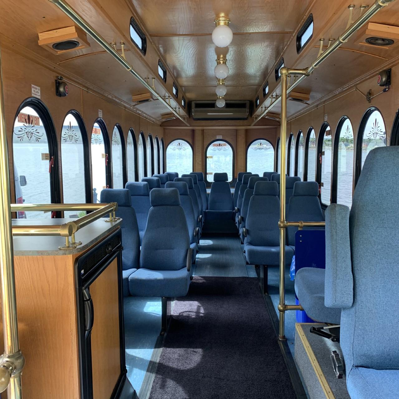 SanFrancisco Trolley, St. Johns luxury bus tour, Best Newfoundland transportation