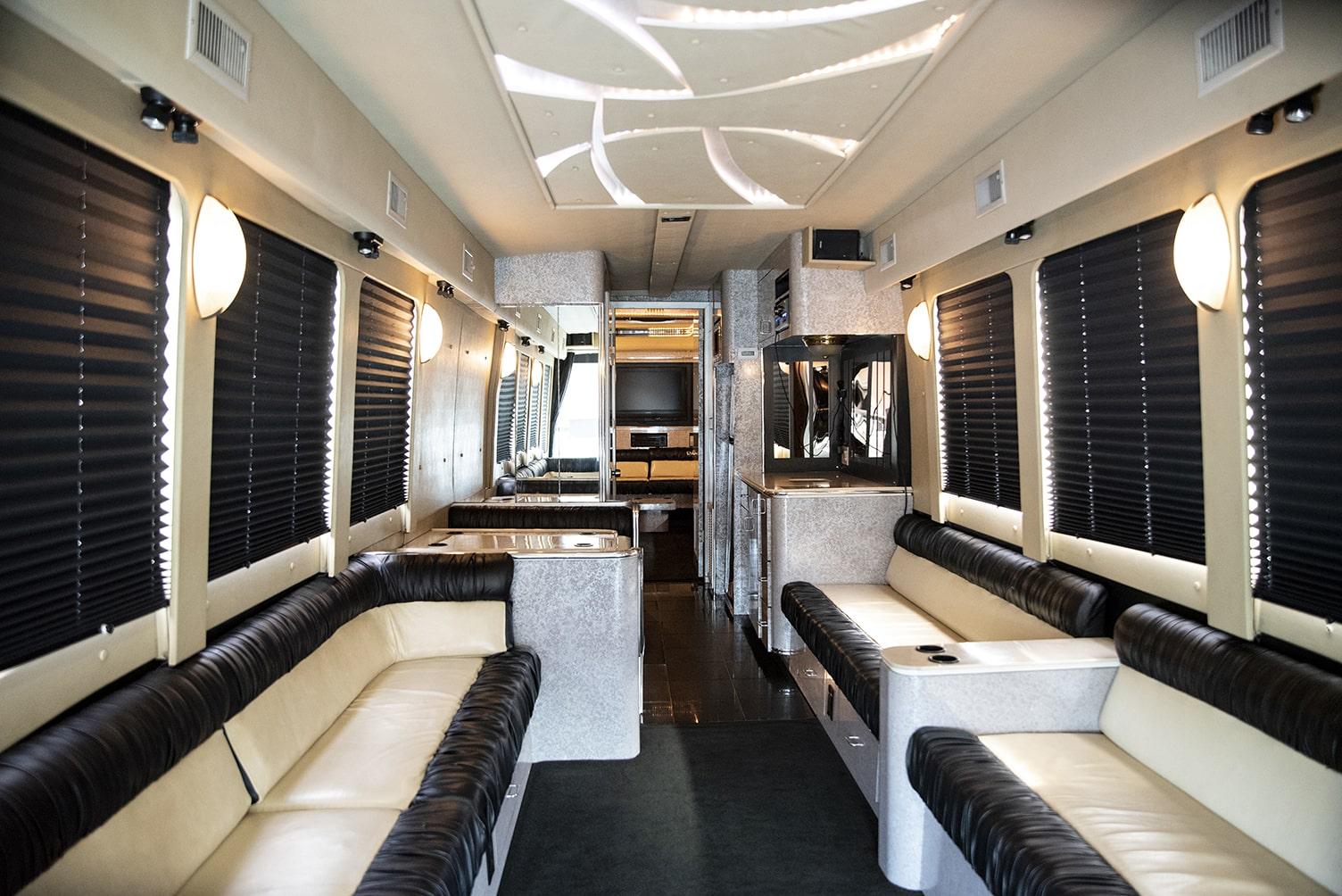 Classic Carriage VIP Coach Bus, St. John's coach bus, St. John's bus tours, NL, Luxury Party Bus