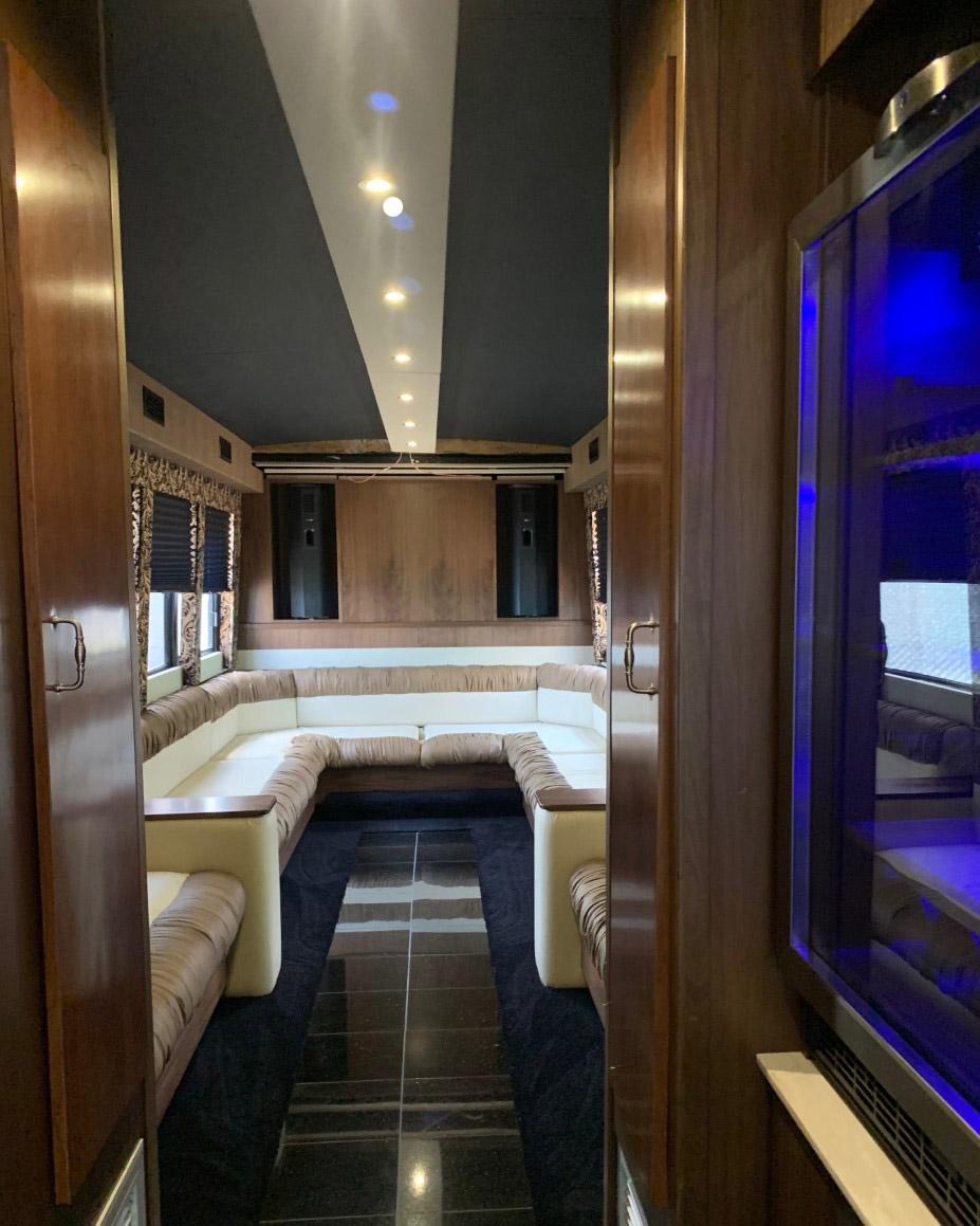 Classic Carriage VIP Coach Bus, St. Johns bus tours, NL